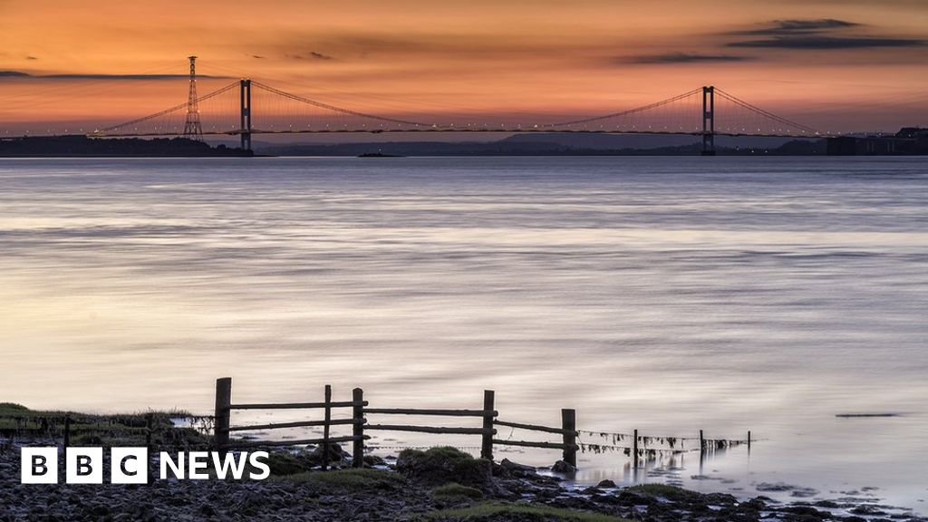 Severn Bridge shuts as drone flown from tower