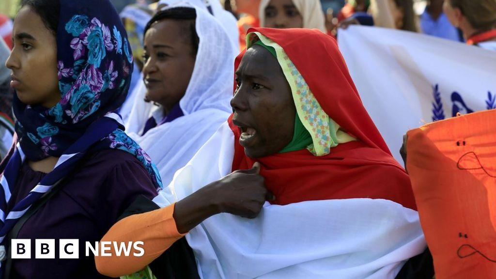 109935006 ebf3d125 3114 4bb1 a2a9 4105e11fe4c6 - Sudan crisis: Women praise end of strict public order law