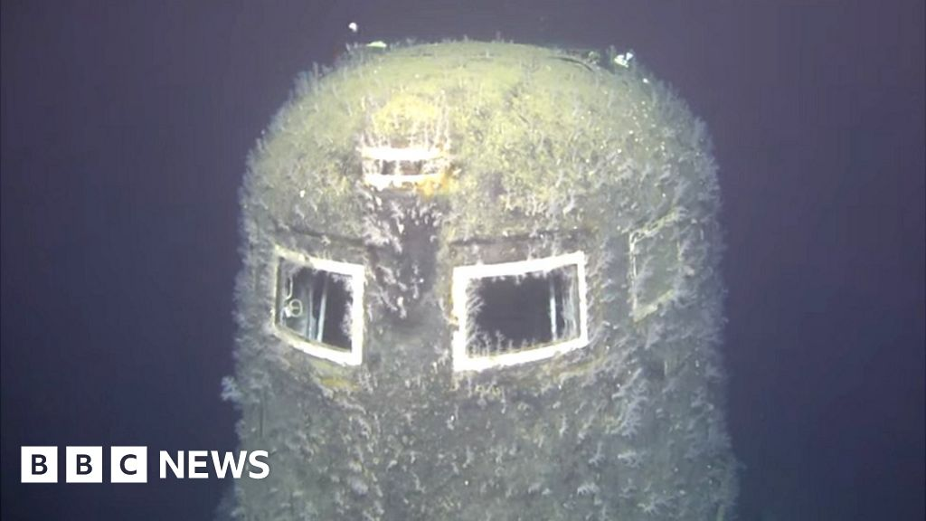 Norway finds big radiation leak from Russian sub