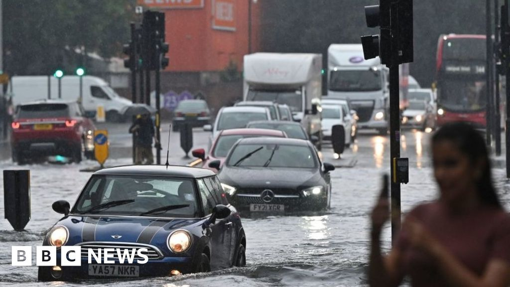 UK Weather: Flooding in London after heavy rain