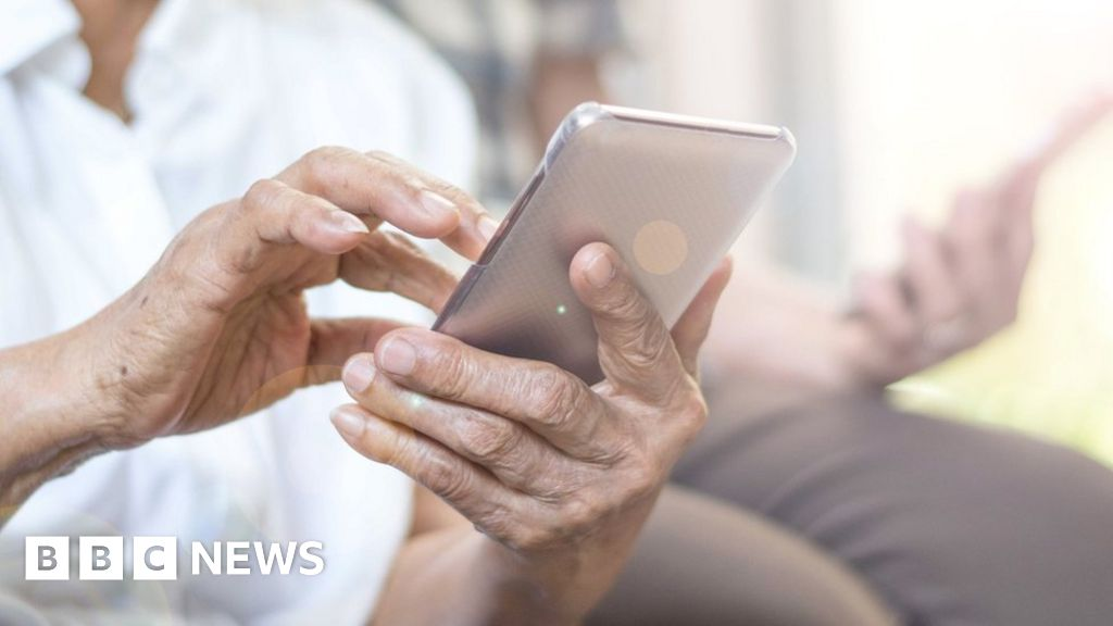 Grandmother ordered to remove Facebook photos delete under GDPR