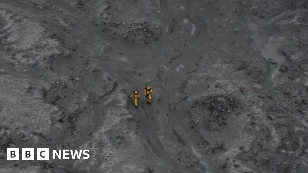Divers deployed around volcano as six bodies found