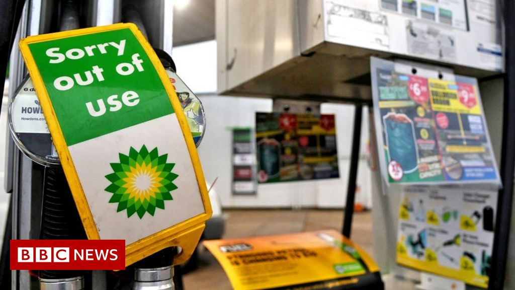 Petrol driver shortage: Ministers meeting over lack of supply thumbnail