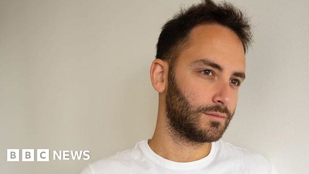 Reckful: Tributes paid after gaming star's death thumbnail