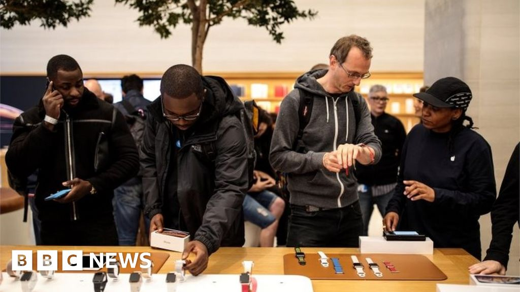 Apple Hires Engineers from UK Company Dialog
