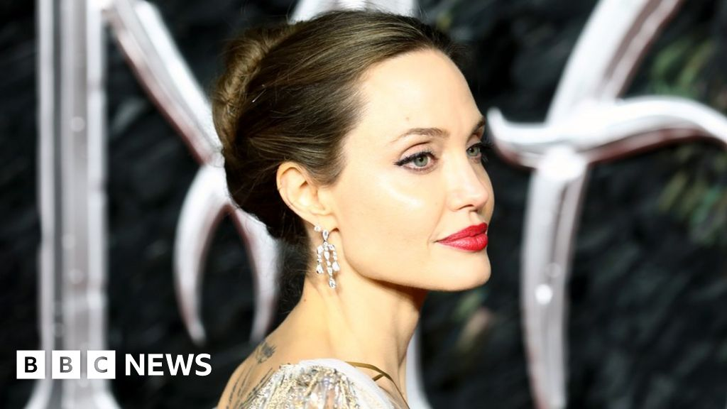 Angelina Jolie: Strong women are 'shaped by men around them'