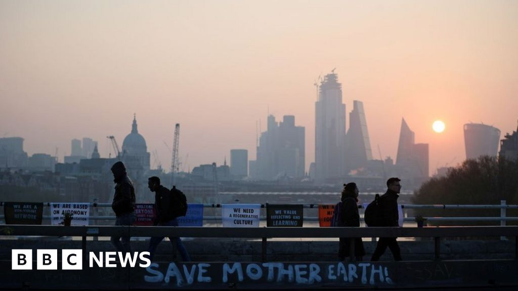 London climate protests enter third day