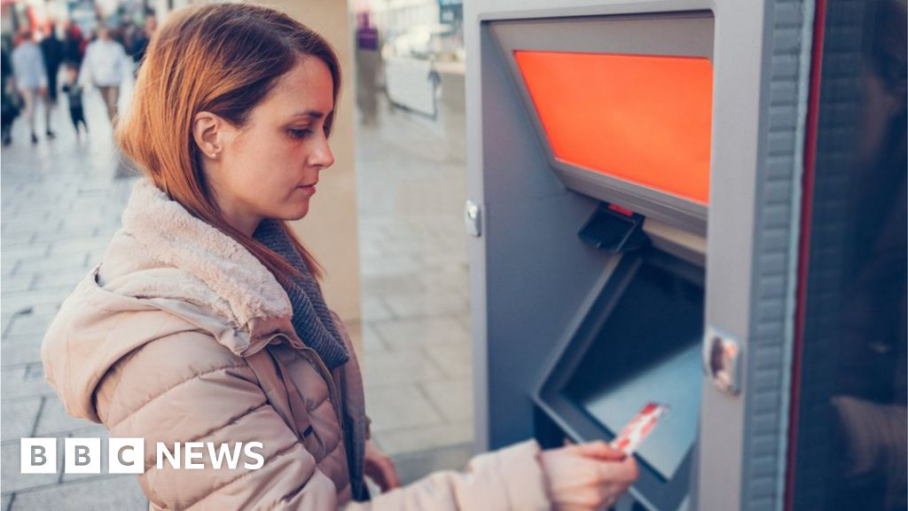 Average cash withdrawal climbs to £80