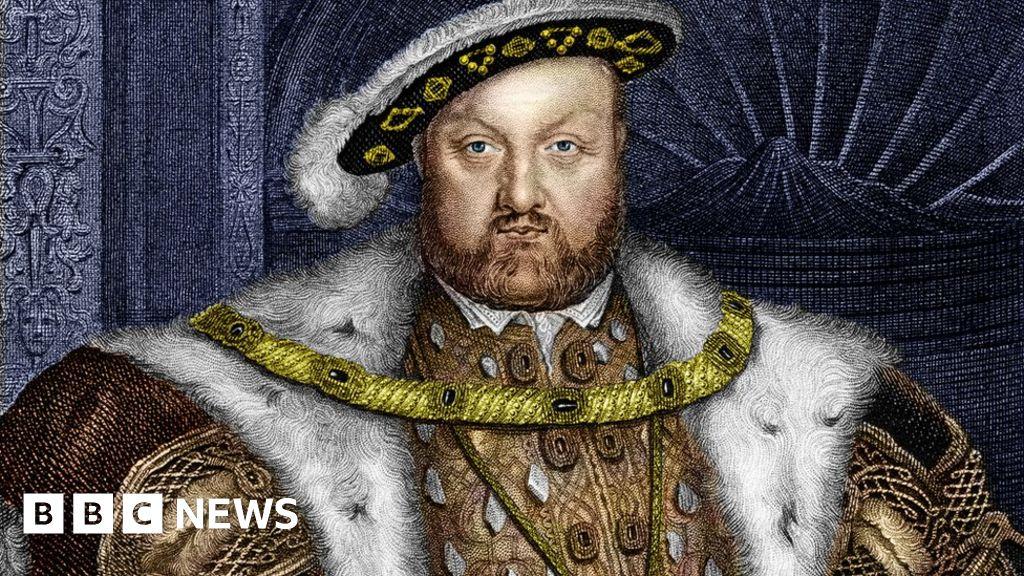 Henry VIII divorces led to splits copycat, Bangor, researchers say