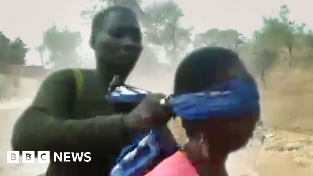 Cameroon soldiers jailed for killing women and children thumbnail