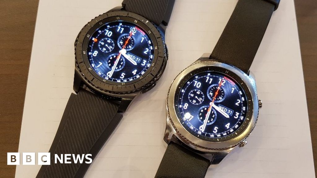 a166e3047 Samsung Gear S3 watches get bigger screens and batteries - BBC News