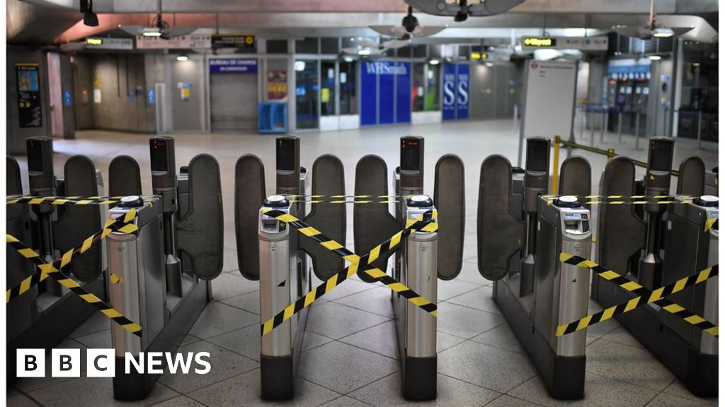 Coronavirus: Tube bailout needed 'by end of day', Sadiq Khan says thumbnail