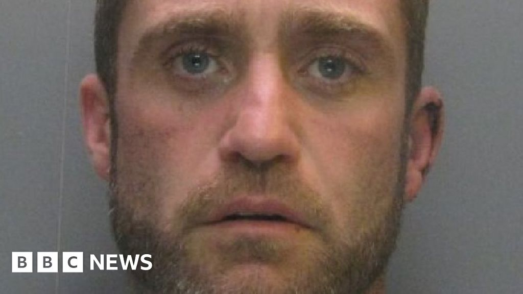 Ben Ashman: man ran across the stepmother to the wedding locked in