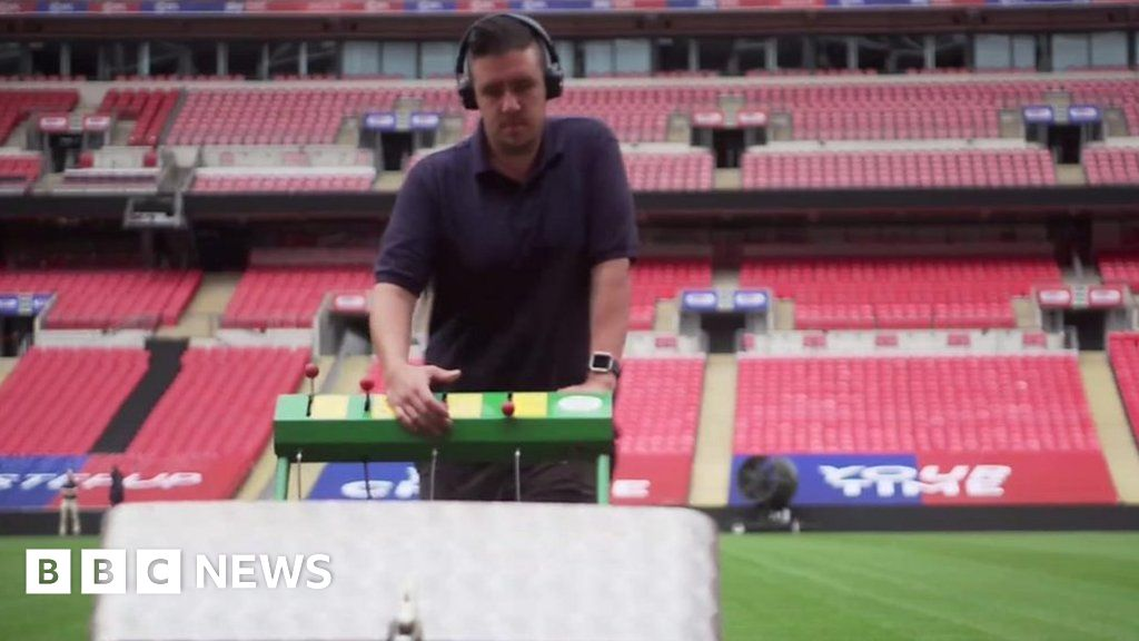 Coronavirus: Keeping Wembley pitch excellent throughout lockdown thumbnail