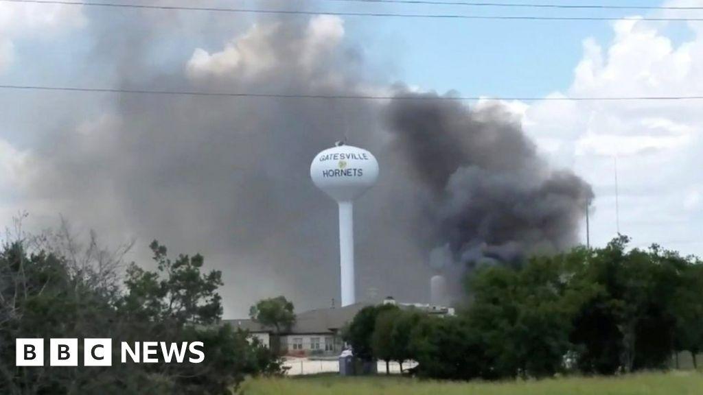 Deadly explosion strikes Texas hospital