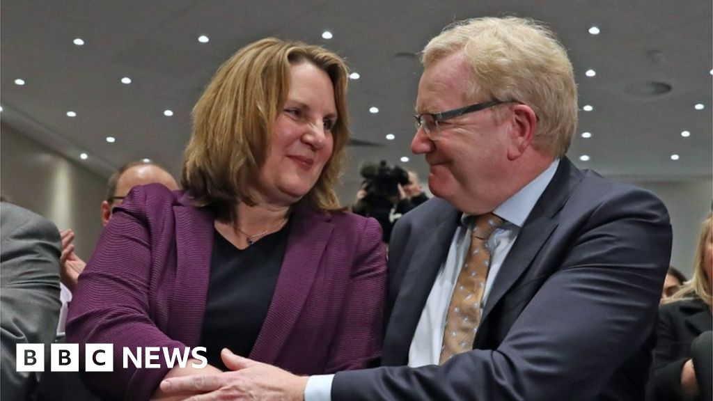 Scottish Conservatives: Jackson Carlaw succeeds Ruth Davidson as leader