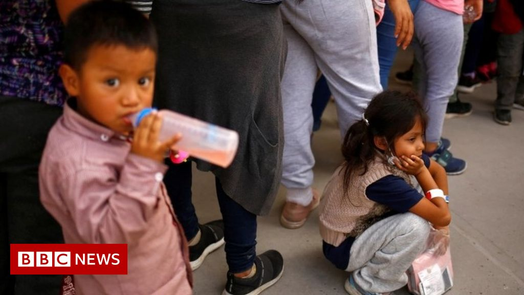 Big rise in numbers of migrant children on Mexico-US border