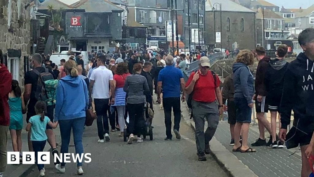 Tourist influx sees locals 'scared to go shopping'