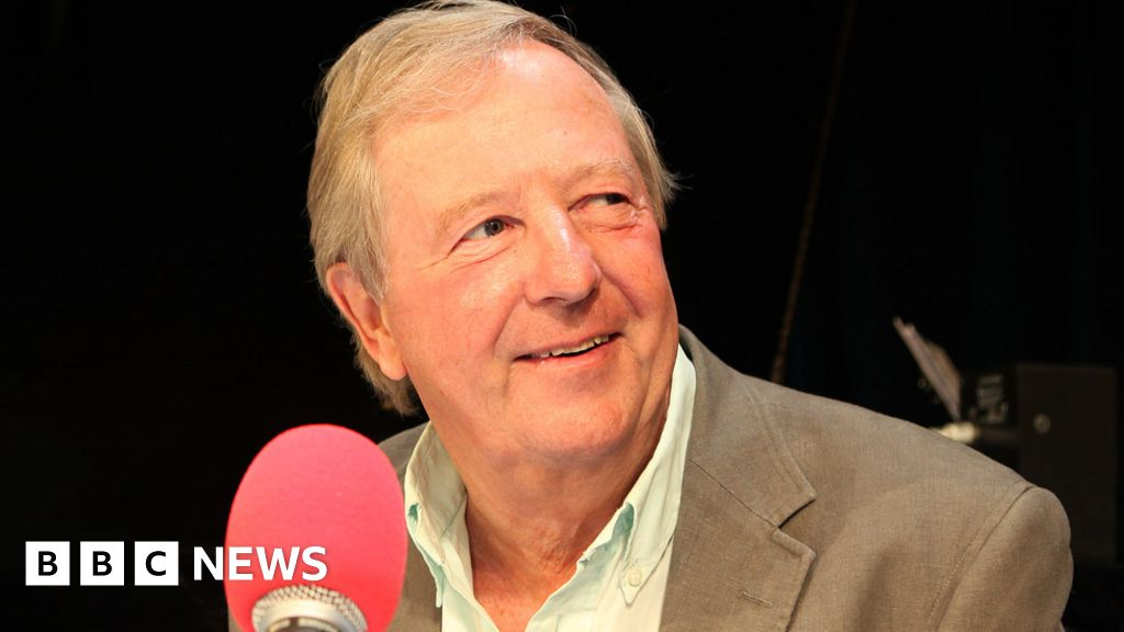 Tim Brooke-Taylor: Cleese, Fry and more pay tribute to Comedy  heroes