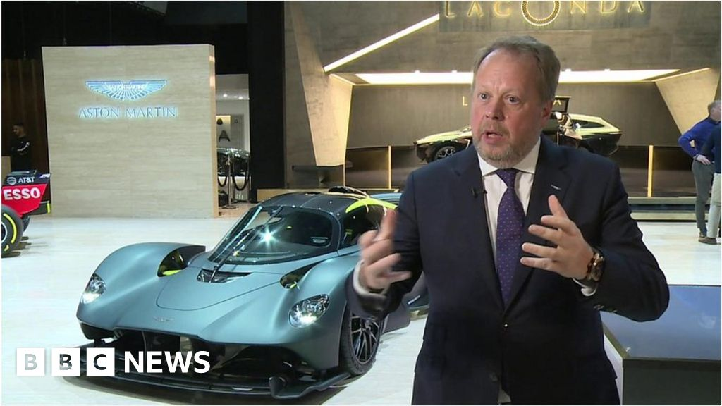 Aston Martin chief leaves after 94% share price collapse - BBC News