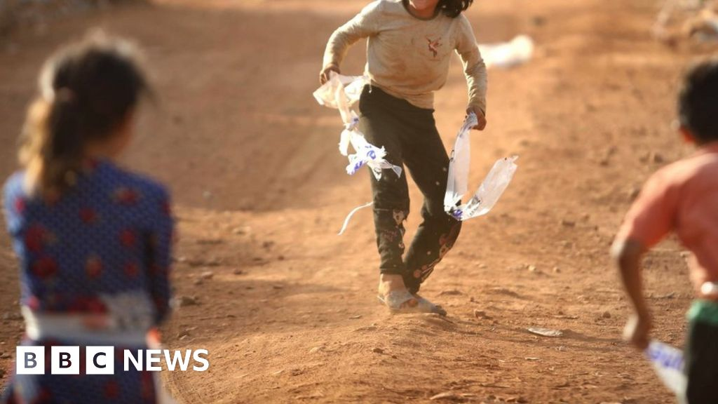 Australian children rescued from Syria IS camp thumbnail