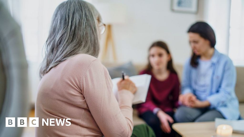 Puberty blockers: NHS to set up independent review group