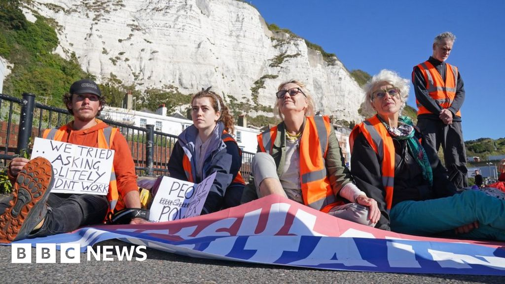 Port of Dover: Arrests made as Insulate Britain blocks port