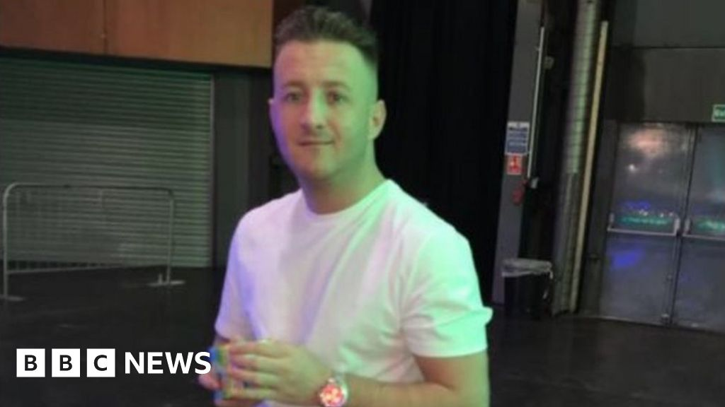 Two men charged over shooting at Glasgow traffic lights thumbnail