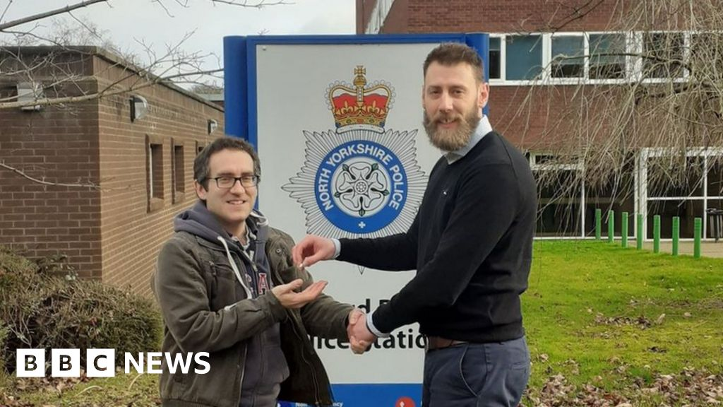 Police find owner of stolen Lord of the Rings ring