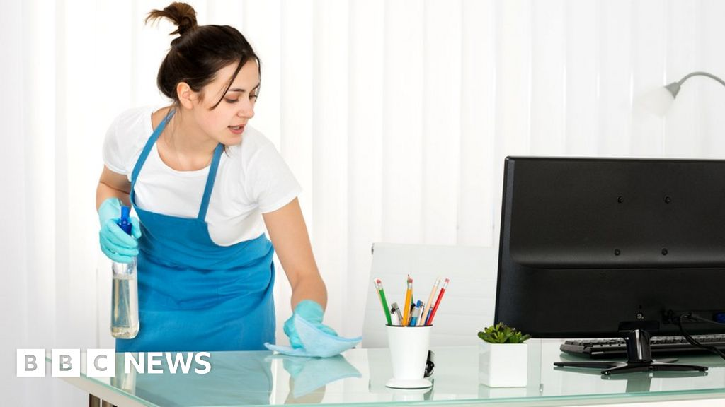 Real living wage  rises in pre-Christmas pay bump