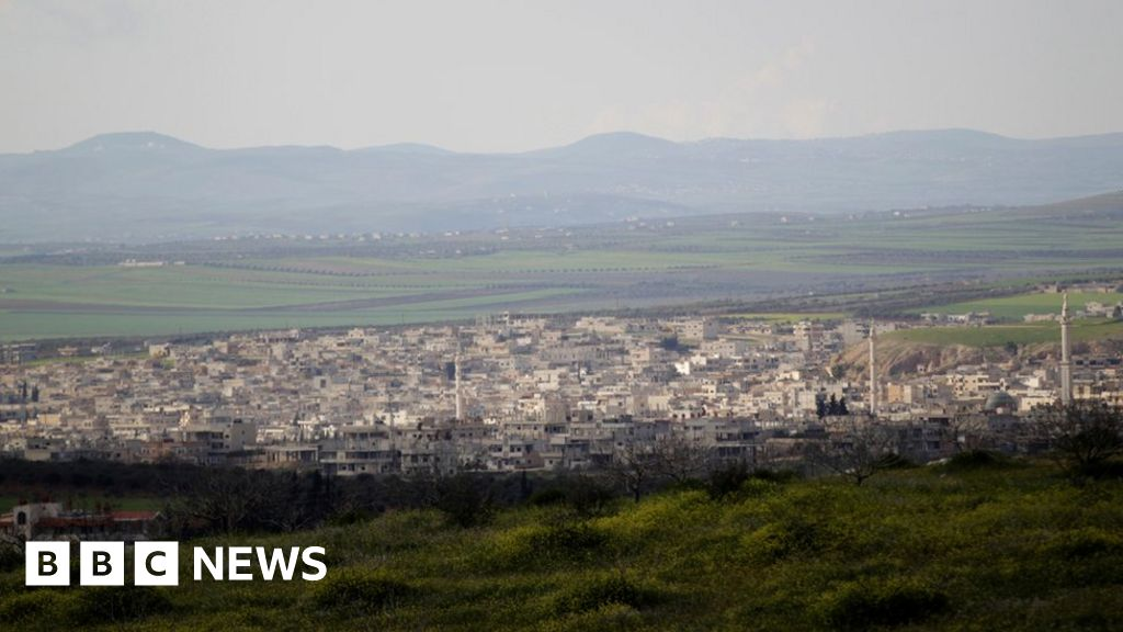 Syrian rebels 'forced from key stronghold'