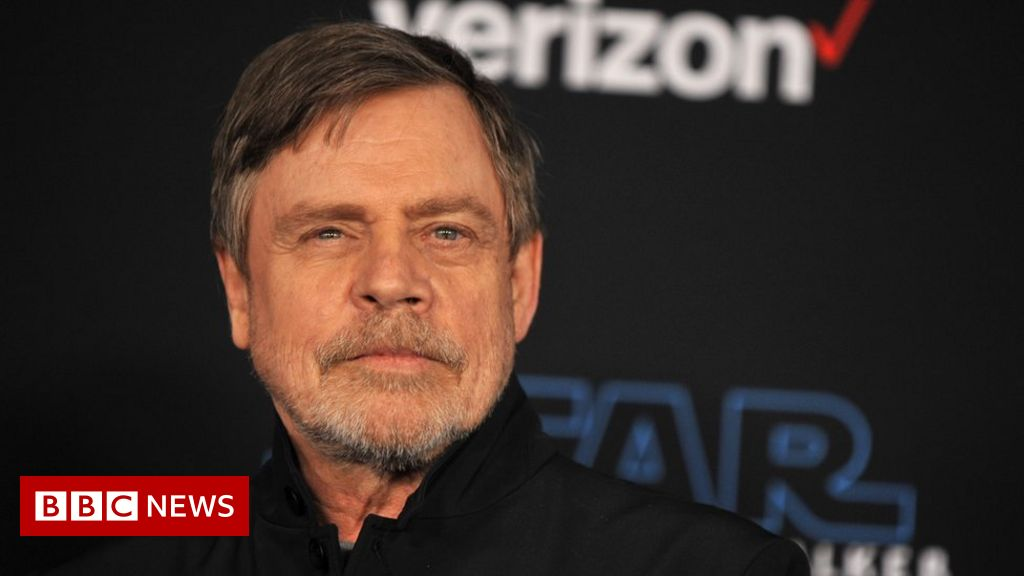 Star Wars actor quits Facebook to protest ads