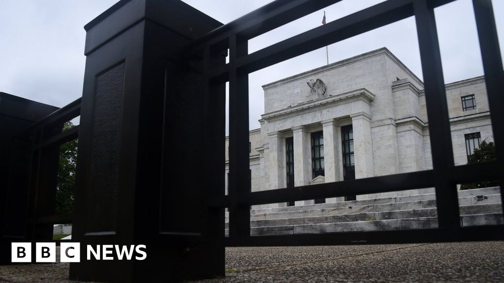 Fed acts to maintain banks 'prudent' amid virus dangers thumbnail