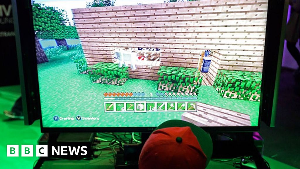 Minecraft: Grooming dangers for children gaming online - BBC News
