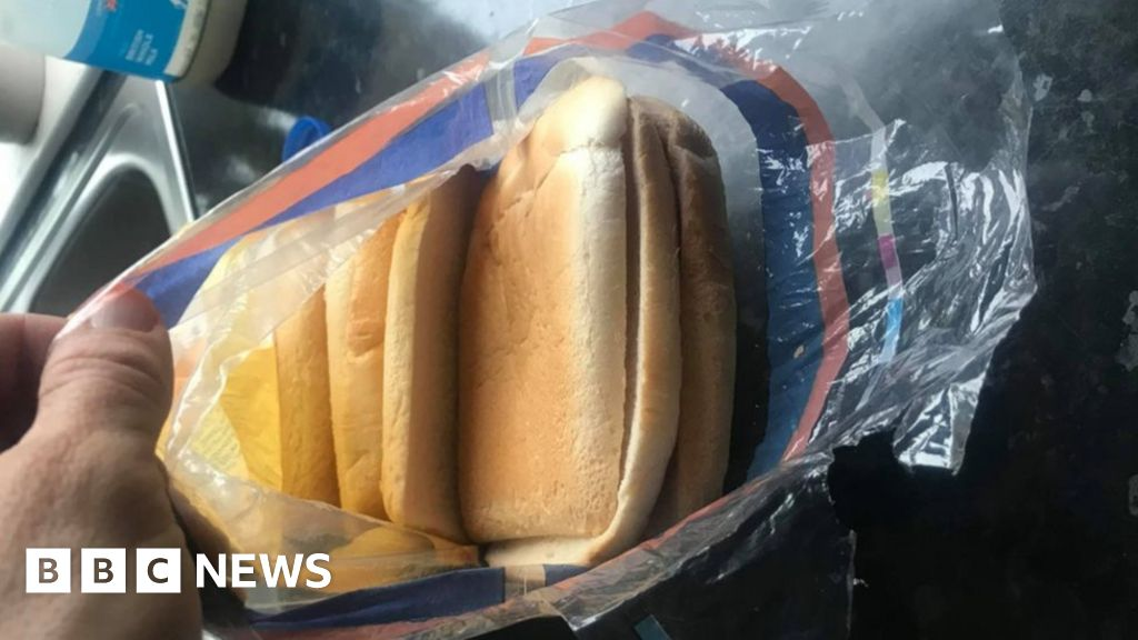 Woman's surprise at Kingsmill loaf full of bread crusts - BBC News