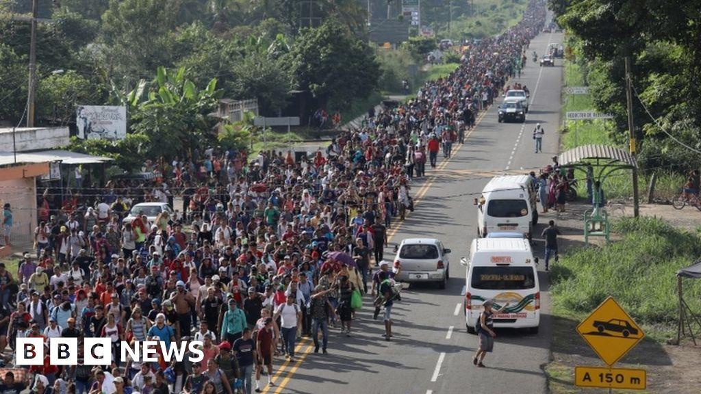 Migrant caravan inches towards the US