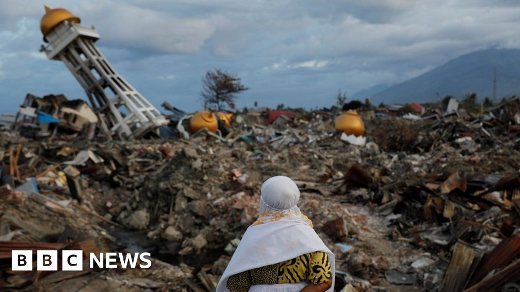 indonesia tsunami search for victims to end though