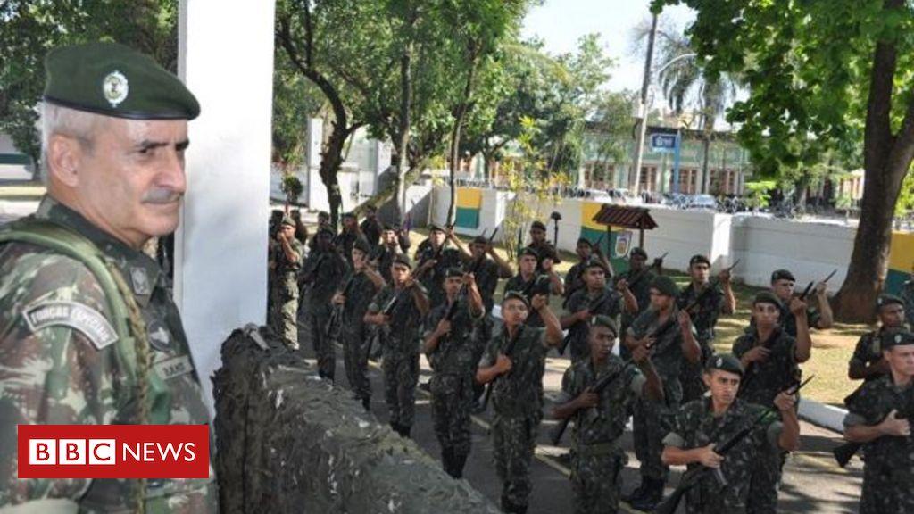 Colega de Bolsonaro em quartel e comandante no Haiti: O que se sabe sobre o general Ramos, que substituirá Santos Cruz no governo