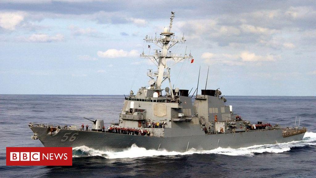 Por que navio de guerra russo perseguiu e ameaçou destróier dos EUA