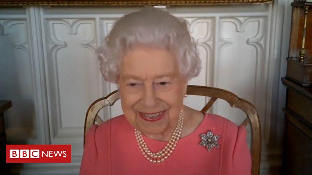 'Pense nos outros': o apelo da rainha Elizabeth 2ª para que britânicos tomem vacina contra covid