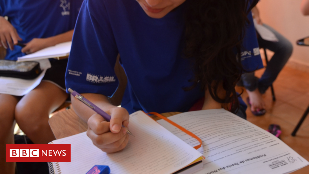 As práticas que mais ajudam (ou atrapalham) o Brasil na educação, segundo pesquisa global