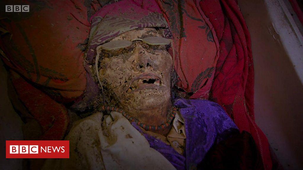 Resultado de imagem para O povo da Indonésia que trata os mortos como vivos