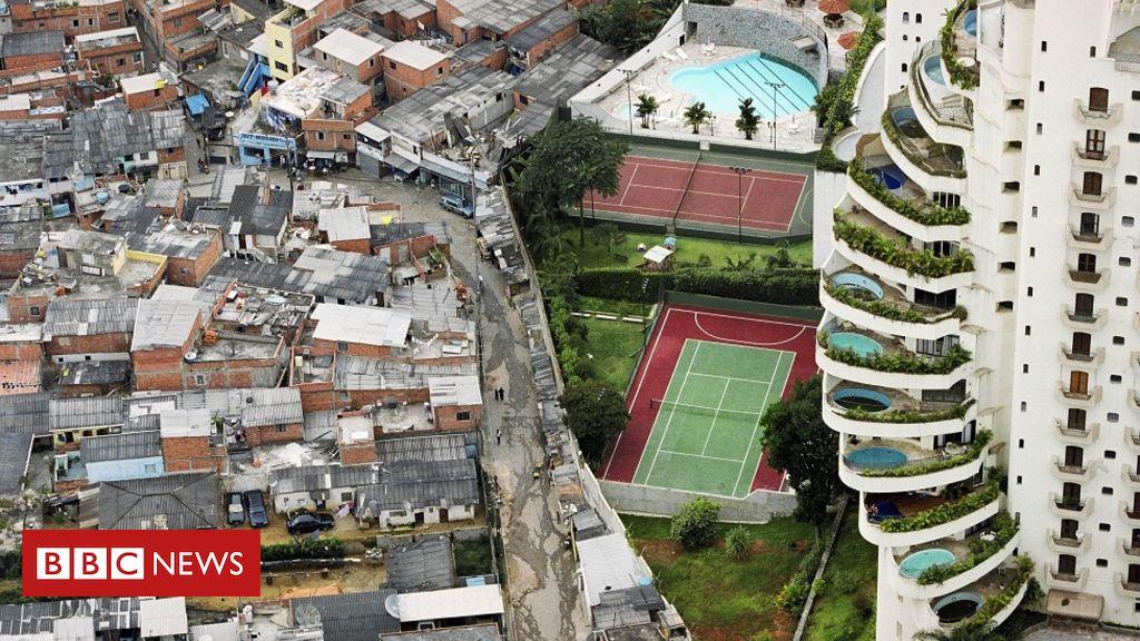 'Quem a polícia defende? De que lado está?', questiona autor de foto símbolo da desigualdade no Brasil