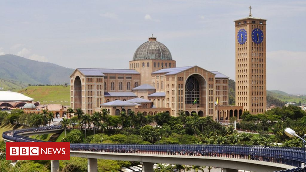 Carta de mil padres com críticas a Bolsonaro esquenta racha político na Igreja – BBC News Brasil