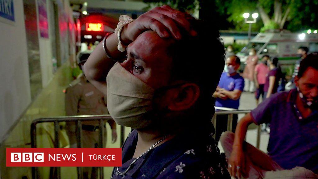 Covid: Hindistan'da salgın trajediye dönüştü, aileler sevdiklerinin tedavi görmesi için hastane kapılarında yalvarıyor