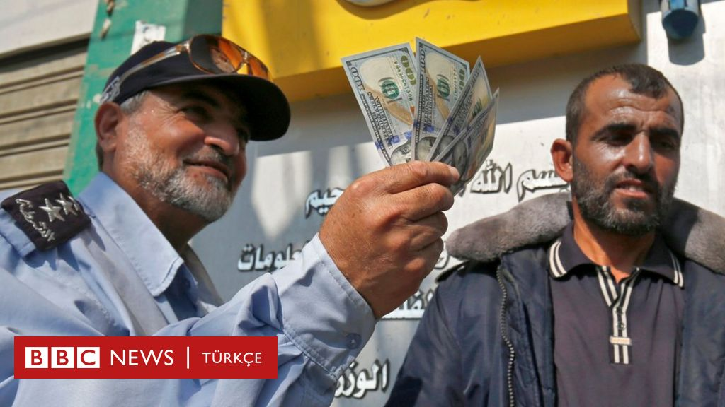 Gazze'de memurlar Katar'ın gönderdiği parayla aylar sonra maaş aldı