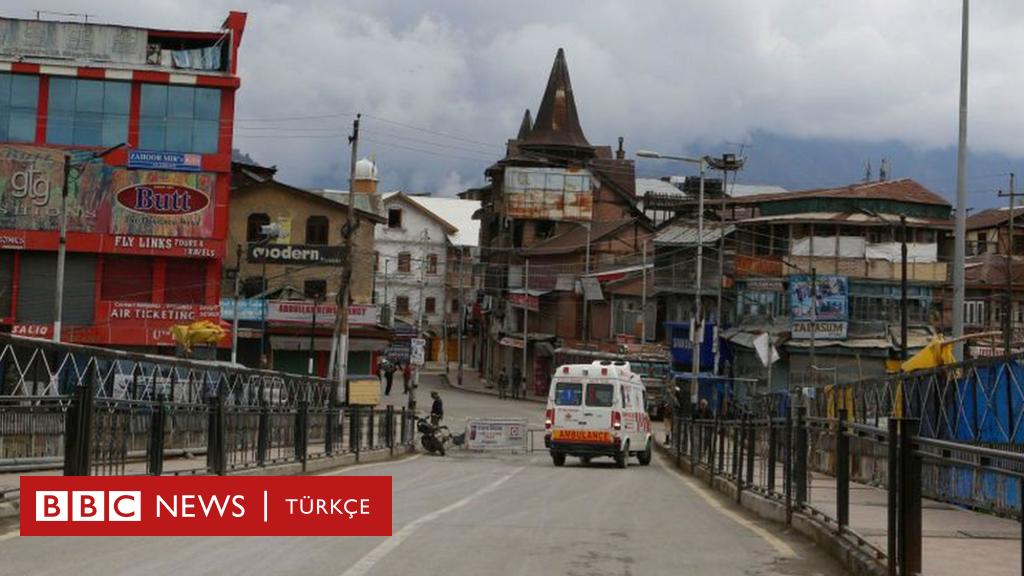 Hindistan'da köyüne dönmek isteyen adam ambulansa binip ölü taklidi yaptı