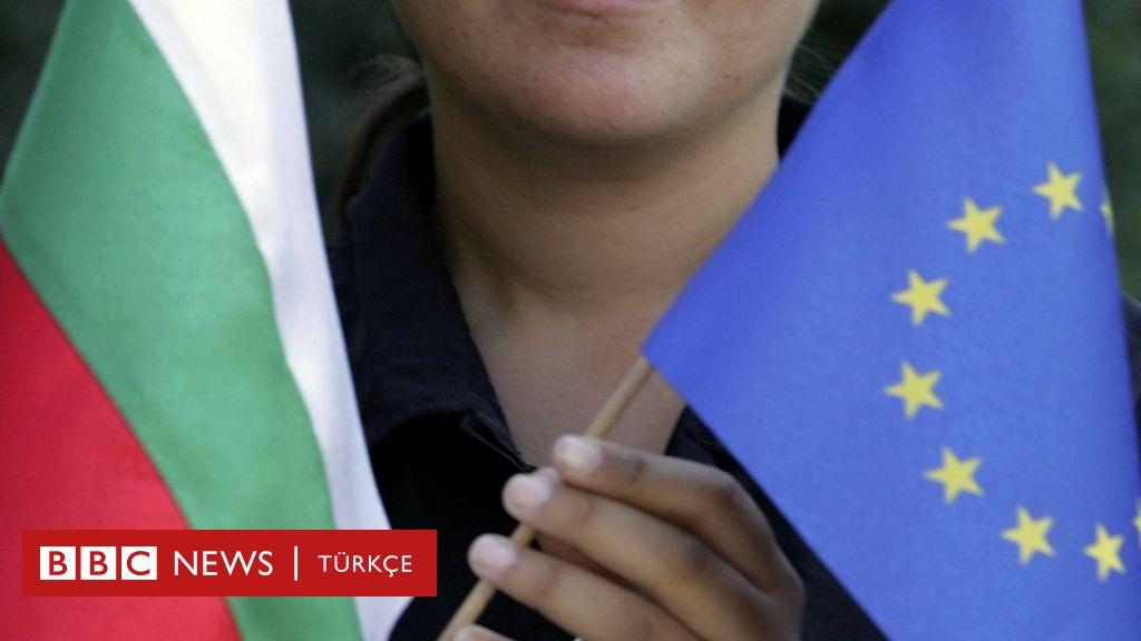 Bulgaristan'da 'sahte pasaport çetesine' operasyon: 5.600 dolara vatandaşlık satmakla suçlanıyorlar