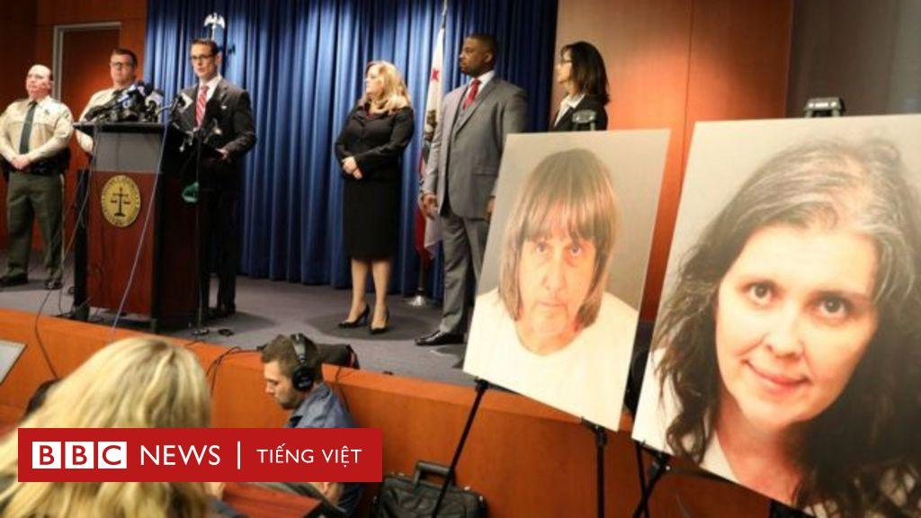 Mỹ: Cặp cha mẹ xiềng xích con chối tội
