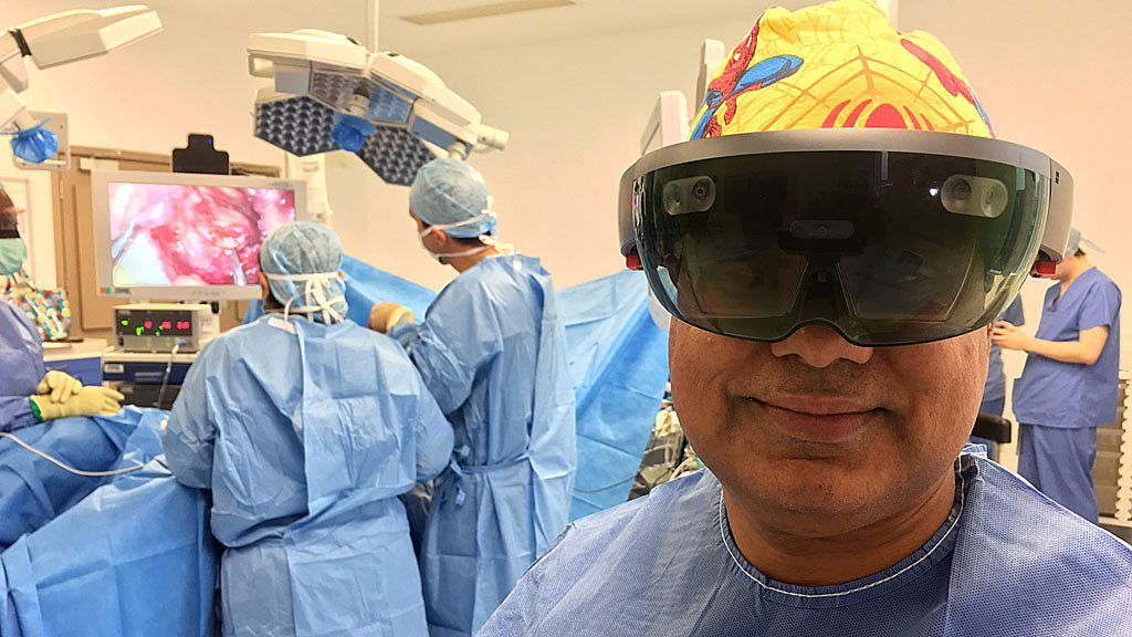 Hololens tech used in bowel cancer surgery